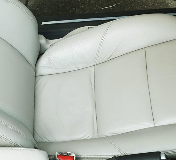 rengöra skinnklädsel bil